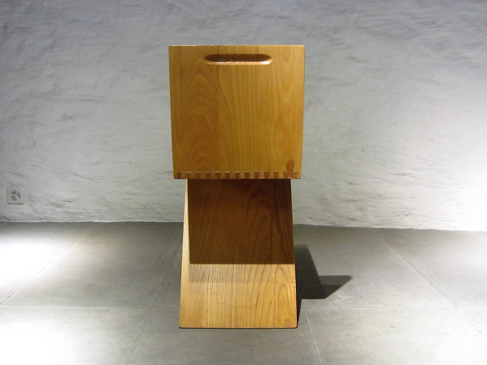 zig zag stuhl. Black Bedroom Furniture Sets. Home Design Ideas