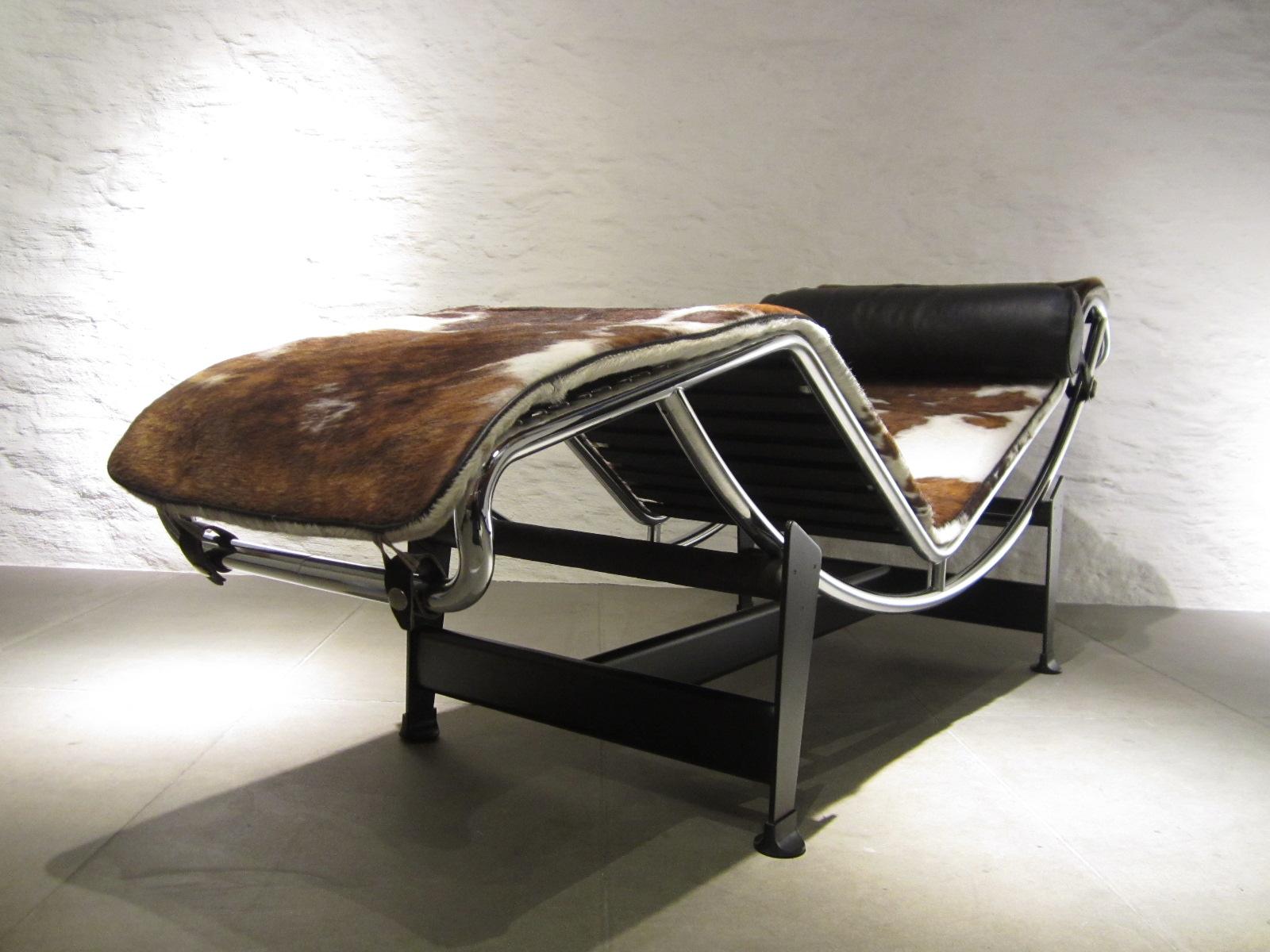 lc4 liege. Black Bedroom Furniture Sets. Home Design Ideas